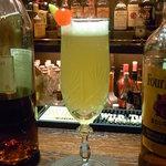 Bar Agit - ムーランルージュ¥1100 ブランデー・パイン・シャンパン