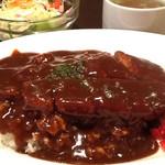 洋食 松キッチン - 洋風カツ丼(デミグラスソース)。一見、カツカレー風。