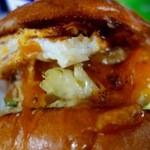 ペペキッチン - TODAY'S LUNCH・ハンバーガー(1000円)+チーズ(100円)+目玉焼き(100円)