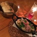 Wine & Dining The Orange - 生ハムと海老のアヒージョ