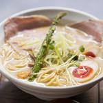 麺69 チキンヒーロー - 鶏極濃(味玉プラス)