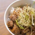 麺69 チキンヒーロー - チャーシュー丼
