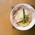 麺69 チキンヒーロー - 鶏中濃(チャーシュープラス)