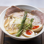 麺69 チキンヒーロー - 鶏中濃(味玉プラス)