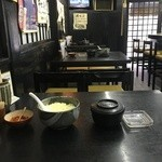 さわ荘うどん - テーブルの上 揚げ玉と昆布の佃煮