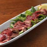 バル エスパニョール ピンチョス チキテオ - ダチョウ肉のカルパッチョ