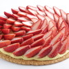 トラットリア セッテ ペストリーブティック - 料理写真:ストロベリーパイ ホール 4,800円、1/10カット 500円 芳醇な味わいのカスタードクリームをパイ生地に敷きつめ、紅ほっぺをたっぷりと使いました