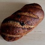 ベーカリー&レストラン 沢村 - オニオンライ麦パン 400円