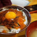 やきとり屯 - 吉田丼¥750