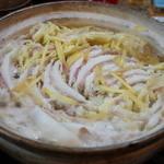 やきとり屯 - 豚バラ白菜鍋