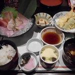 和食鍋処 すし半  - 女房の天婦羅とお造り膳