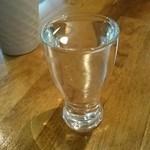 エマノン - このグラスが75mlで390円/杯です