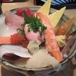 48983439 - ランチ海鮮丼 814円(税別)