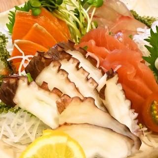近海の鮮魚を堪能できます