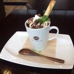 ASP COFFEE - マグカップに入れて作りました。カワイイマグパフェです!