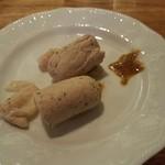 フランツィスカーナー バー&グリル - こんな感じで食べます。