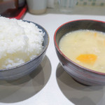 丸山吉平 - ごはんセット白味噌の豚汁が少し甘くてうまい。
