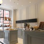 エピドール - 売り場とイートイン&レストランスぺースが一体型になってます。 カフェ利用やワインも楽しむことができます。