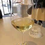 エピドール - セットの白ワインは+300円。