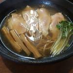 銀乃月 - 鶏そば 680円税込 醤油スープ