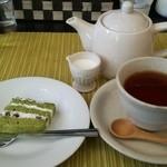 ワンシーン - ミニデザートと紅茶♪