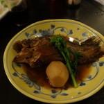 48999959 - 1603_アジト_コース_05.魚の煮つけ
