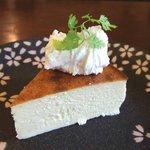 さくらカフェ - 自家製 なめらか半熟チーズケーキ