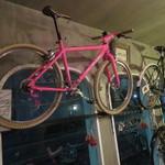 サーモンアンドトラウト - 自転車が目印の小さな店3