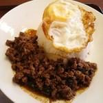 49001471 - ランチ:牛肉のバジル炒めかけご飯