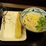 丸亀製麺 - ぶっかけ(冷)+竹輪天(400円)