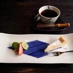 石釜いおり - 締めのデザートとコーヒーです。