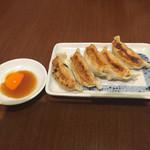 ラーメンのまめぞう - 料理写真:焼き餃子