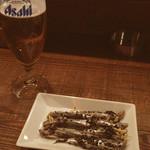 49008003 - 生ビール(グラス)/鰯の胡麻酢漬け