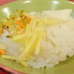 按田餃子 - 鶏そぼろ飯