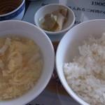 城北飯店 - 2016年3月 ランチのご飯&スープ&ザーサイ