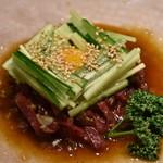 カルネ - 馬肉のユッケ