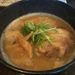 麺ザロードはましょう - 豚×鶏こっさりラーメン  680円