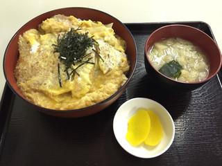 お食事処 膳楽 - かつ丼720円