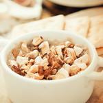 ムロマチカフェハチ - 自家製レバーペーストとメープルナッツ
