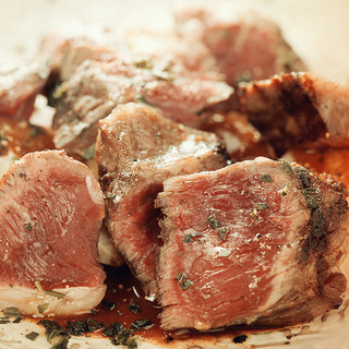 牛ハラミのアヒージョステーキ