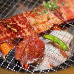 焼肉 晩餐館 - 骨付きカルビ