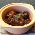 ワイン食堂ウノ - 牛肉の赤ワイン味噌煮込み