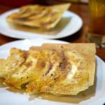 49022776 - スタミナ餃子+チーズカレー餃子 ¥380+¥420