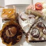 ノエル - りんごケーキ、チョコカヌレ、桜ショート、栗タルト、お芋タルト