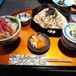 49026649 - 小海鮮丼と蕎麦