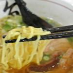 遊食 空海 - 遊食空海・空海ラーメン 麺近影(2015.12)