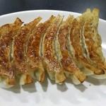 中華料理 天国 - 料理写真:焼き餃子