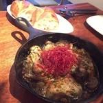 クラゲストア - 牡蠣とマッシュルームのアヒージョ