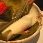 花邑 - 桜の葉を取ってみると。