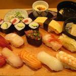 あっぱれ寿司 - 満腹にぎり寿司膳